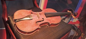 Violin liked the one used by Holmes to relax and help concentration.