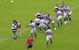 Contesting the ball at a line-out