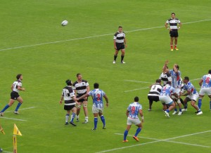 High ball to the back of line-out