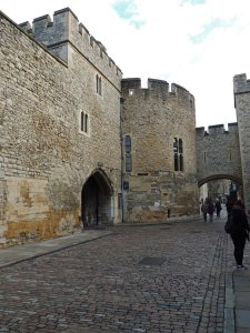 The walkway between the two southern walls. The top of the steps leading to Traitor's Gate is just out of shot to the right