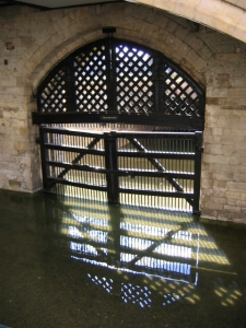 """Traitor's Gate - geograph.org.uk - 455483"" by Stephen Henley. Licensed under CC BY-SA 2.0 via Wikimedia Commons - https://commons.wikimedia.org/wiki/File:Traitor%27s_Gate_-_geograph.org.uk_-_455483.jpg#/media/File:Traitor%27s_Gate_-_geograph.org.uk_-_455483.jpg"