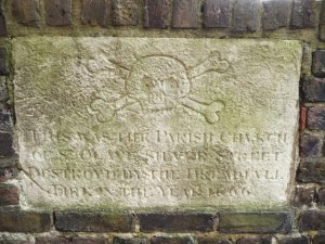 Memorial_Stone,_St_Olave's_Garden,_London_EC1 By Christine Matthews, CC BY-SA 2.0, https://commons.wikimedia.org/w/index.php?curid=13791539