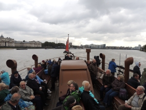 PS Waverley passing Greenwich
