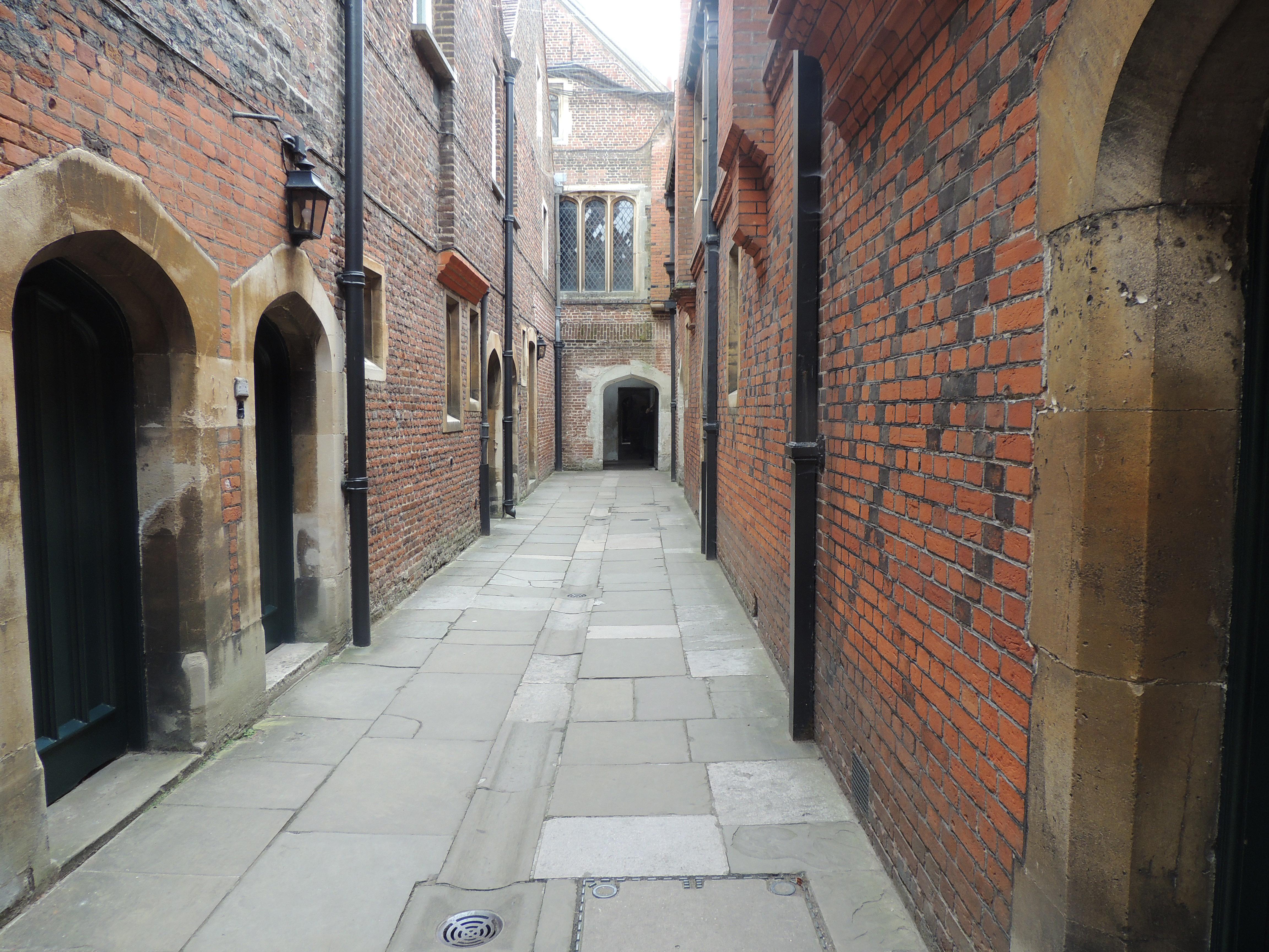 Hampton Court (2): Tudor Kitchens | Pete\'s Favourite Things