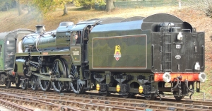 73082 'Camelot' approaches Horstead Keynes