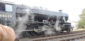 LMS 8F '48624' leaves Horstead Keynes