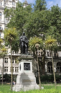 Statue of Sir Henry Bartle Frere in Embankment Gardens